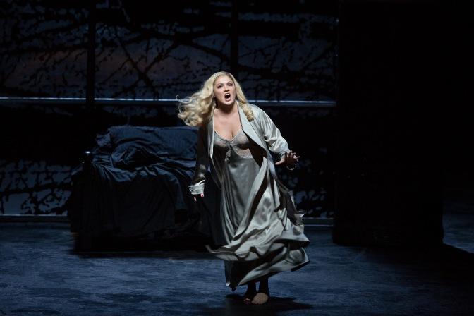Анна Нетребко – оперна звезда от нов вид
