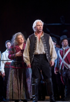 "Dolora Zajick as Azucena and Dmitri Hvorostovsky as Count di Luna in Verdi's ""Il Trovatore."" Photo: Ken Howard/Metropolitan Opera Taken during the final dress rehearsal on Febraury 13, 2009 at the Metropolitan Opera in New York City."