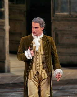 Simon Keenlyside as the Count in MozartÕs ÒLe Nozze di Figaro.Ó Photo: Ken Howard/Metropolitan Opera